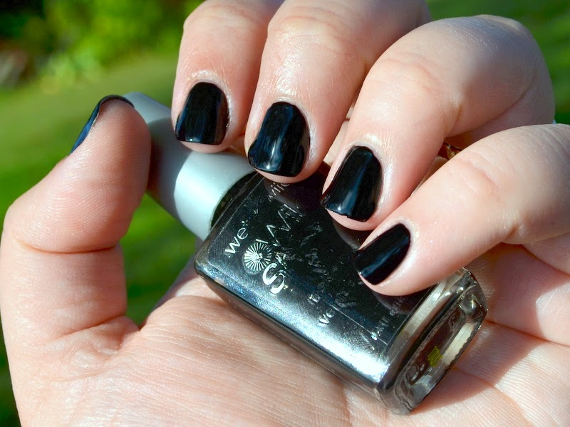 wet n wild black creme swatch