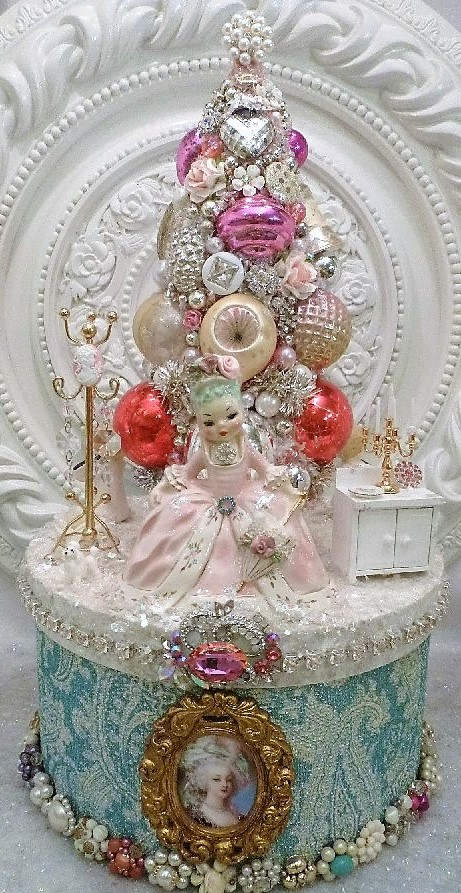 Marie Antoinette bottle brush tree Box