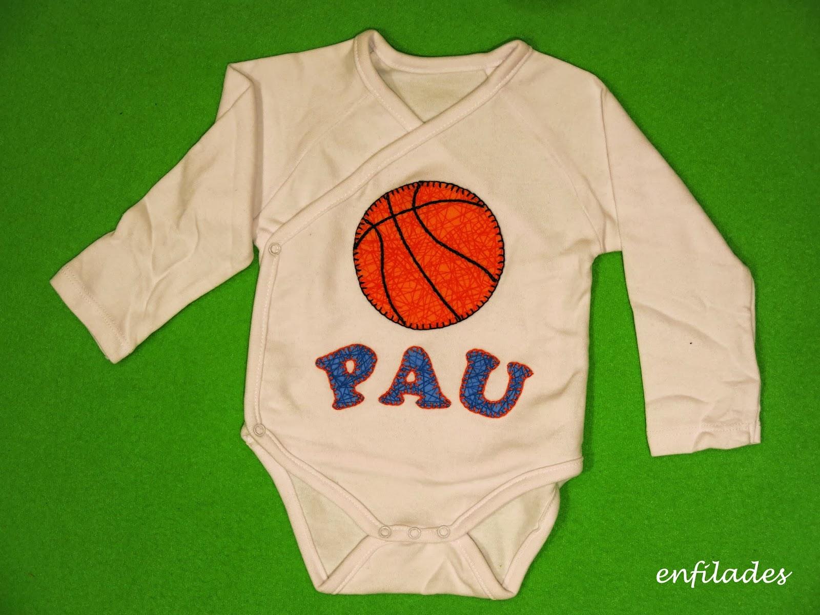 Body personalitzat basquet - fet a mà a Enfilades.cat