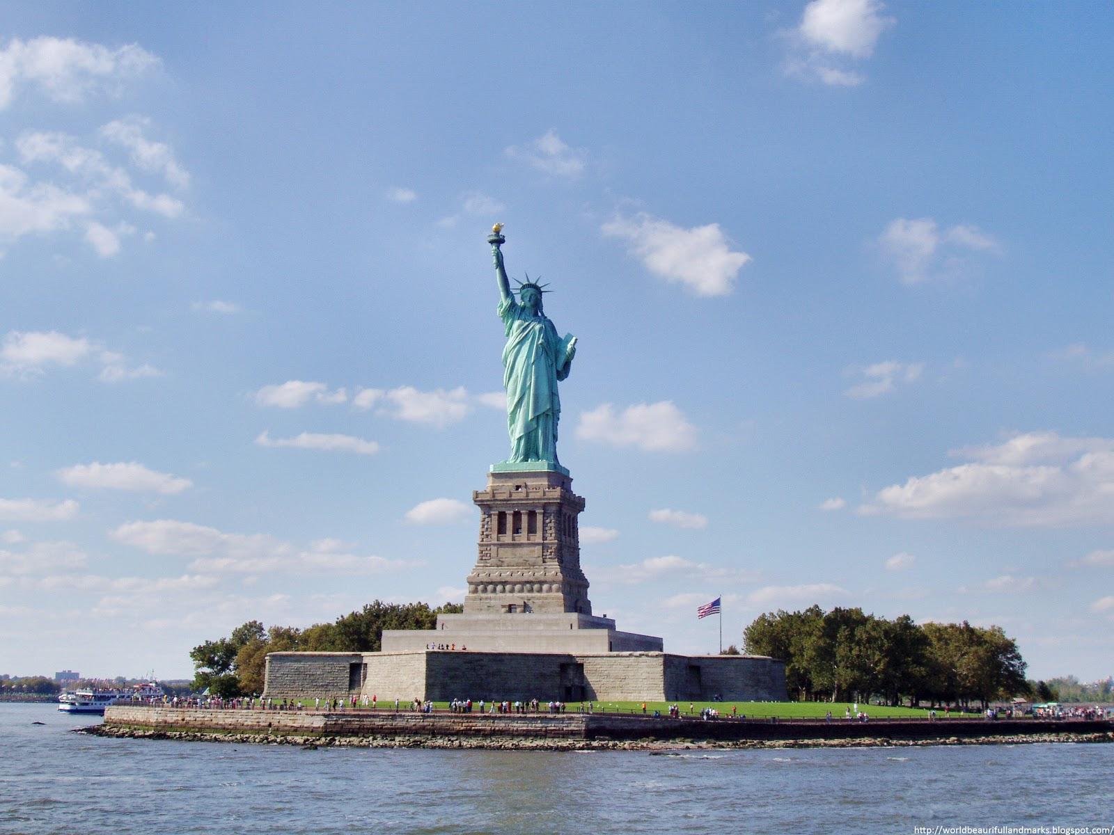The statue of liberty new york usa world beautiful for New york landmarks