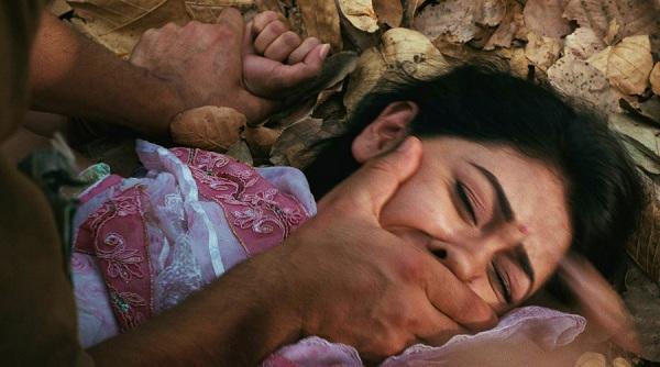 """""""ΜΕ ΒΙΑΖΑΝ ένας ένας"""":Το μαρτύριο της 15χρονης στην ΠΑΤΡΑ που ΑΝΑΤΡΙΧΙΑΖΕΙ!"""