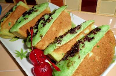 Cara Membuat Kue Pukis Pandan