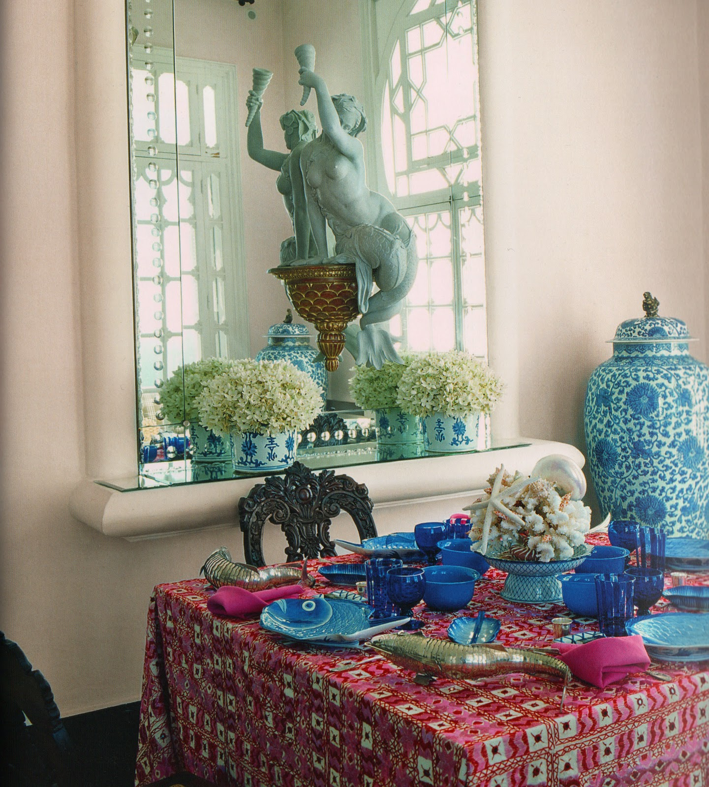 The Pink Pagoda: Blue and White Monday with Alberto Pinto, Carolyne ...