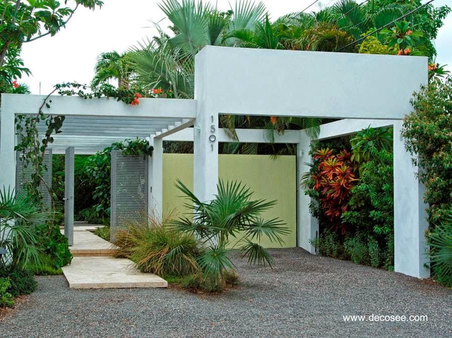 Exterior de una casa residencial contemporánea en Miami