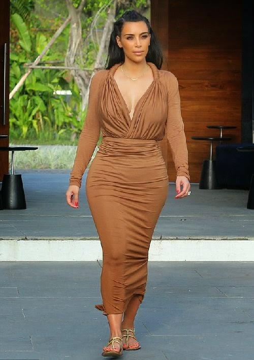 Kim Kardashian and family enjoy their vacation in Siam strait on Wednesday, April 2, 2014