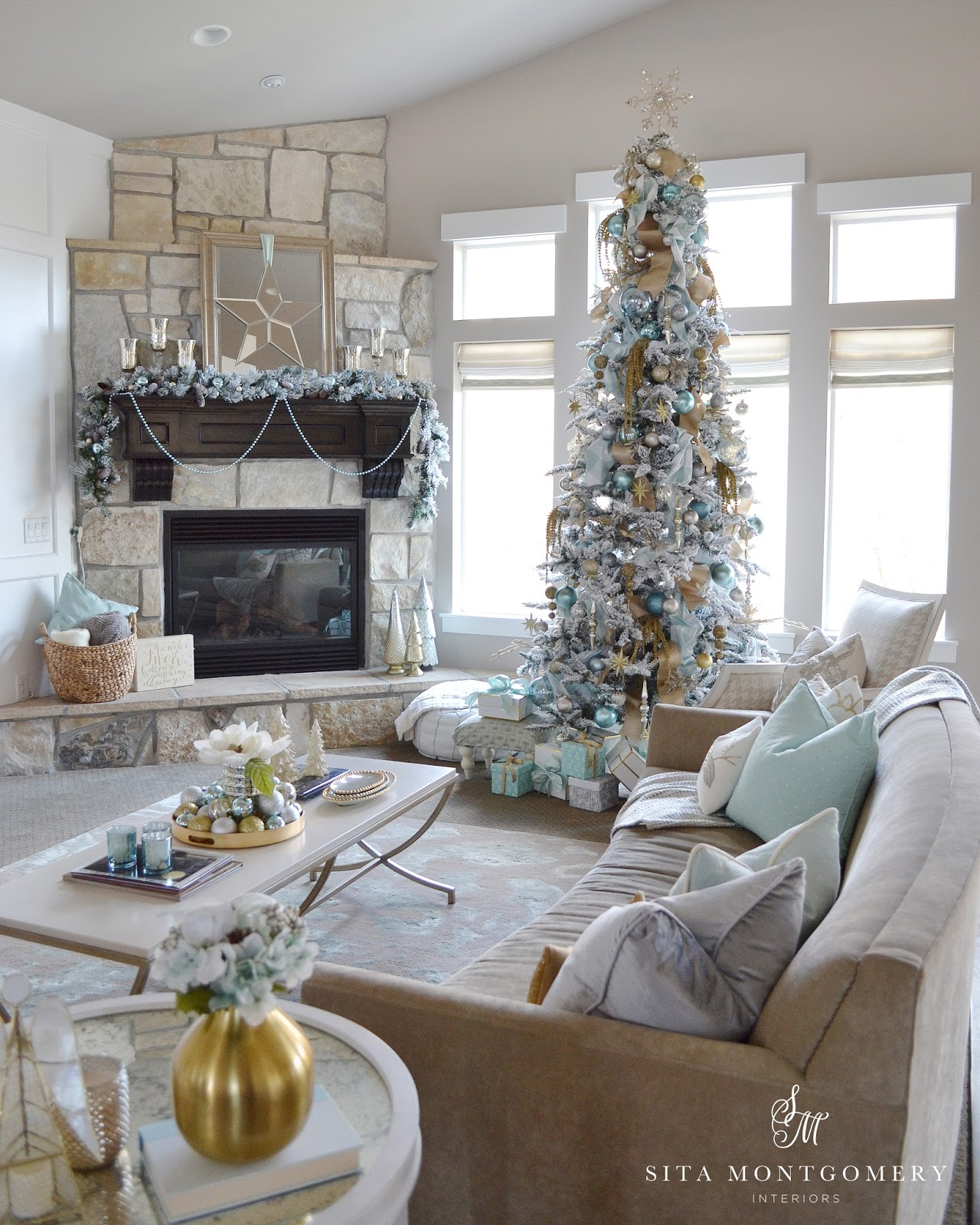 A holiday with heart blog hop sita montgomery interiors - Decorating living room ideas pinterest ...