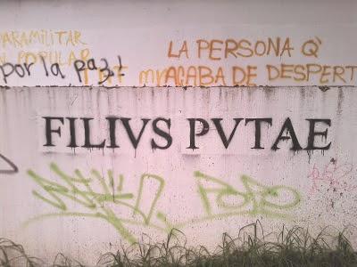 Una pintada en latín en Bogotá