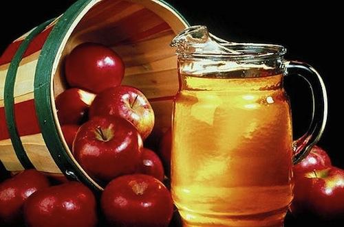 Dùng giấm táo pha mật ong vào nước uống hàng ngày cũng sẽ giúp khoẻ mạnh, giảm nguy cơ mắc bệnh và cung cấp nhiều chất dinh dưỡng bổ ích cho cơ thể...