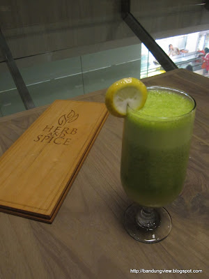 Healthy juice - herb and spice