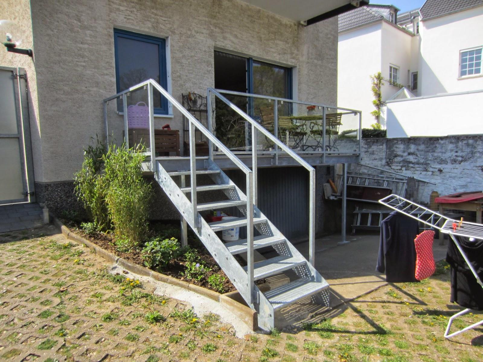 balkon aus stahl fr bel metallbau. Black Bedroom Furniture Sets. Home Design Ideas