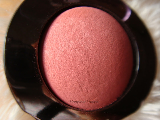 Lakme Absolute Cheek Chromatic Baked Blush Texture+lakme products