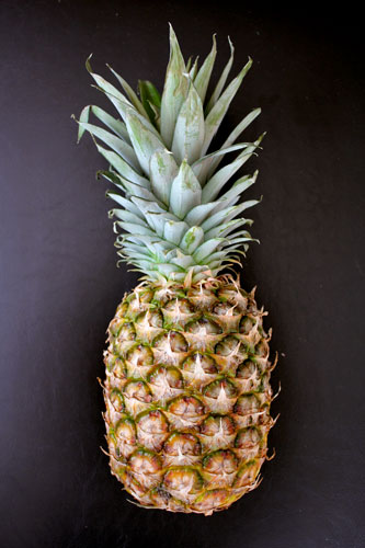 how to cut fresh pineapple into rings