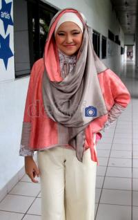 7 Fashion Hijab Style Marshanda
