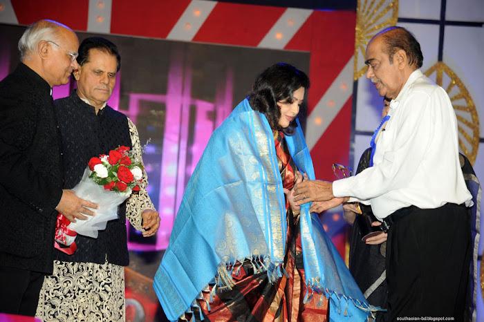 meena at tsr tv film awards unseen pics