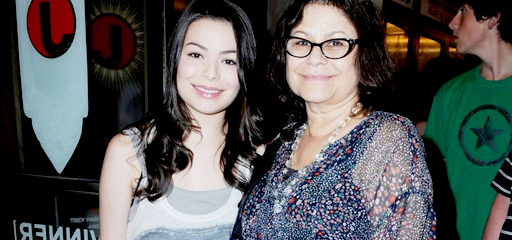 Photo of Miranda Cosgrove & her Mother  Chris Cosgrove