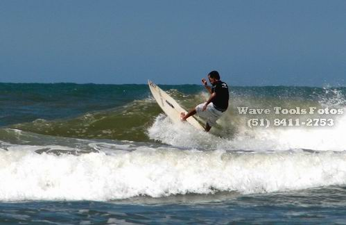 ÉMERSON IORI (PIOLHO) - WAVE TOOLS SURF CONSERTOS