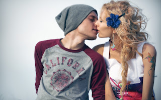 Boy Love Blonde Girl Kiss HD Wallpaper