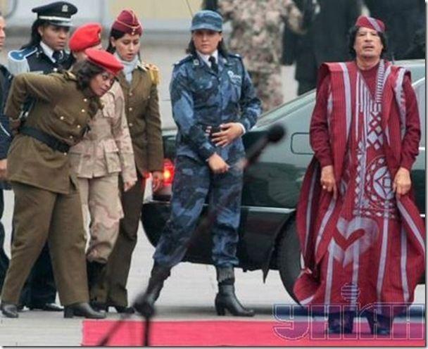 http://3.bp.blogspot.com/-WLTLOrJ8Ox4/TWYonBXq-FI/AAAAAAAALi8/QU5Zz7u-hC4/s1600/Gaddafi-female-bodyguard-06.jpg