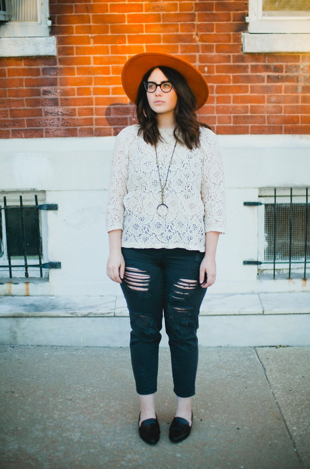 lace, Brandy Melville, ripped, jeans, Ray-Ban, cateye, glasses