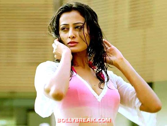 , Nidhi Subbaiah Bikini Pics - Oh My God Actress