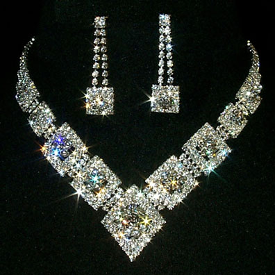 Two Golden Rings Diamond Necklaces