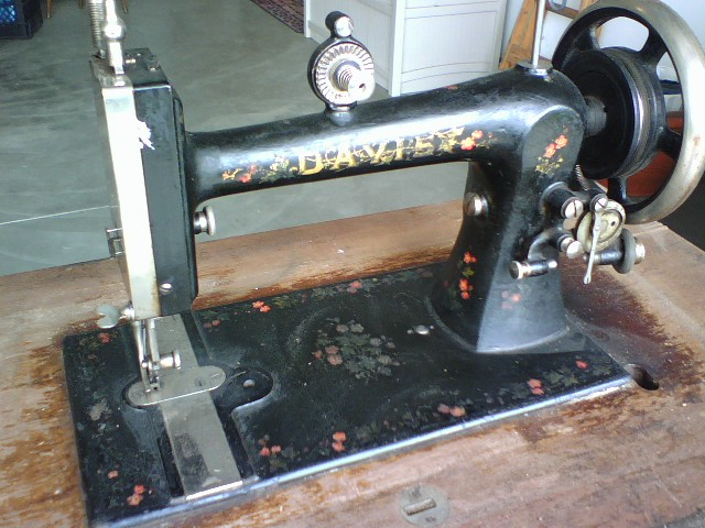 The Opinionated One Speaks The Davis Vertical Feed Sewing Machine Interesting Davis Sewing Machine Models