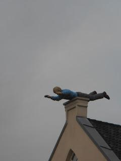 Nu snap ik ook waarom sinterklaas en de kerstman door de schoorsteen