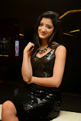 Richa panai latest glam pics-thumbnail-7