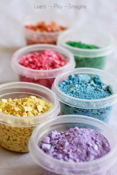 Crushed chalk - a great way to use up broken chalk bits - perfect for art and play recipes