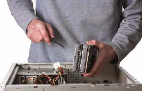 Technician_Repairing_Computer