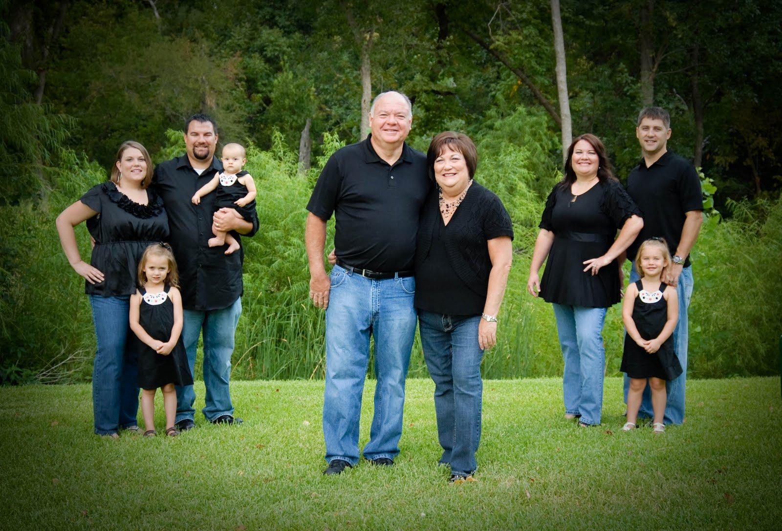 Backyard Family Portrait Ideas :   Extended Family Portraits  DallasFort Worth Family Photographer