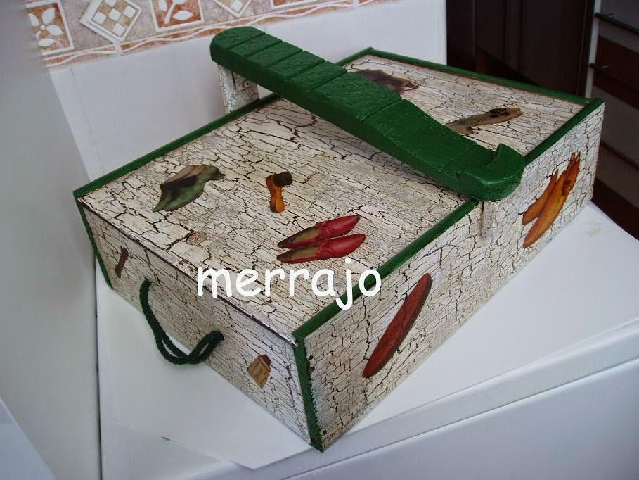 Manualidades merrajo yoli cajas de vino recicladas - Cajas de vino de madera decoradas ...