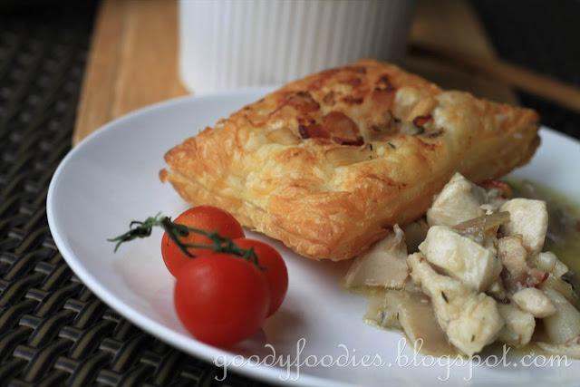 GoodyFoodies: Recipe: Chicken, mushroom and bacon pie ...