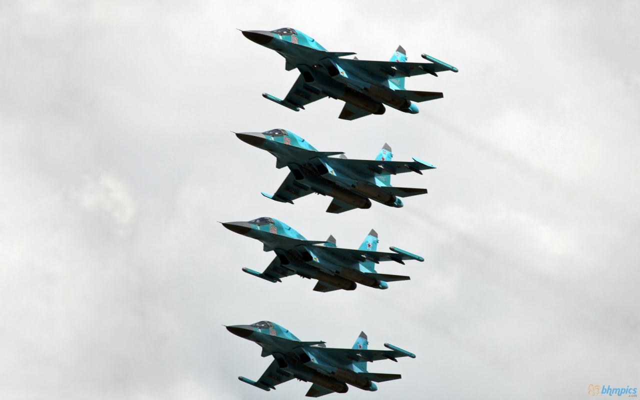 Four Su 34 Aircraft at Sky