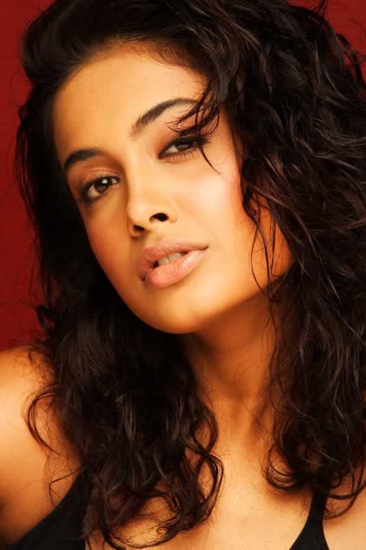 Sarah Jane Dias Hot Pic1 - Sarah Jane Dias Super Hot Pics