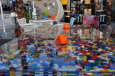 curcuna, curcuna kafe pi, curcuna taksim, curcuna beyoğlu, curcuna tepebaşı, lego masa, lego dekor