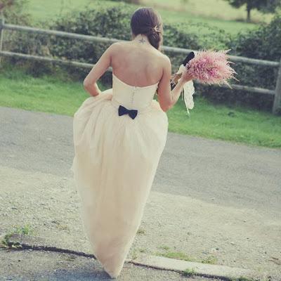 interview creatrice de robe de mariée jardin d'étoffe atelier nanatais estelle reucher robe de mariée bustier ivoire crème styliste créateur tendance