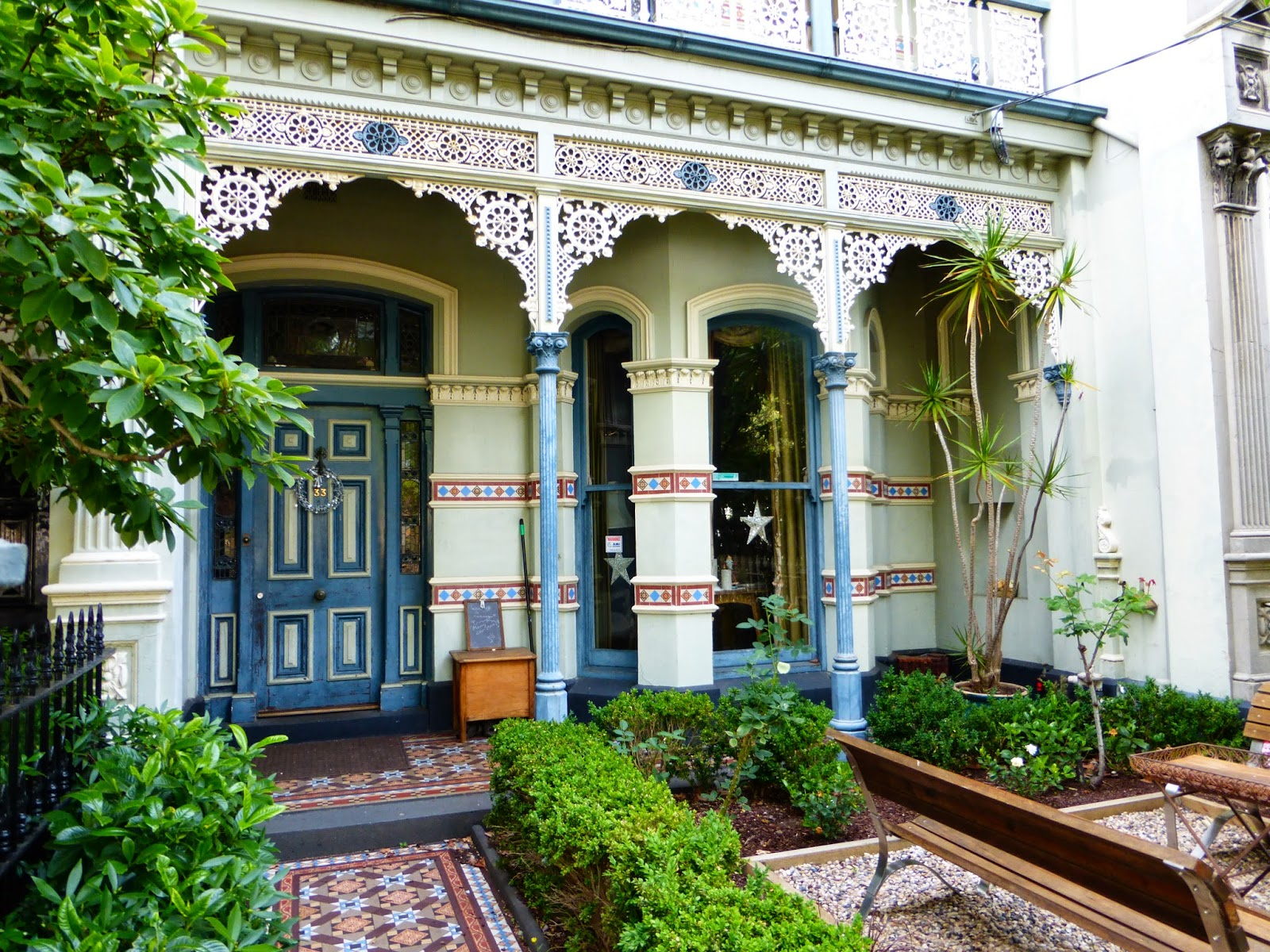 My vintage journeys victorian homes of melbourne australia for Beach house designs melbourne
