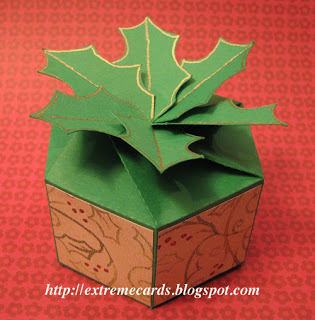 http://extremecards.blogspot.de/2012/12/twist-top-holly-box-tutorial.html