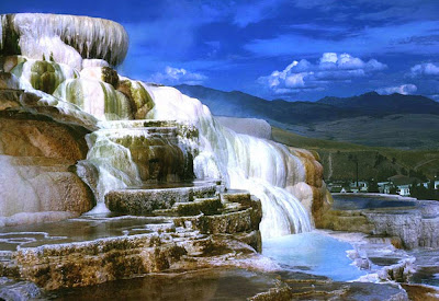 Mammoth Hot Springs - Yellowstone National Park - USA