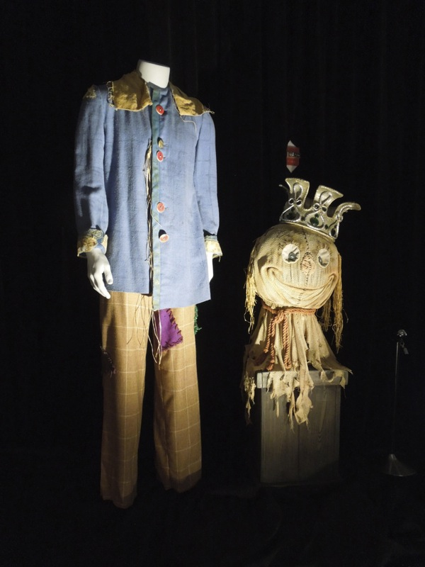 Scarecrow 1985 costume Return to Oz