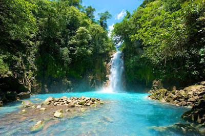 Empat Sungai Warna Warni Paling Indah di Dunia