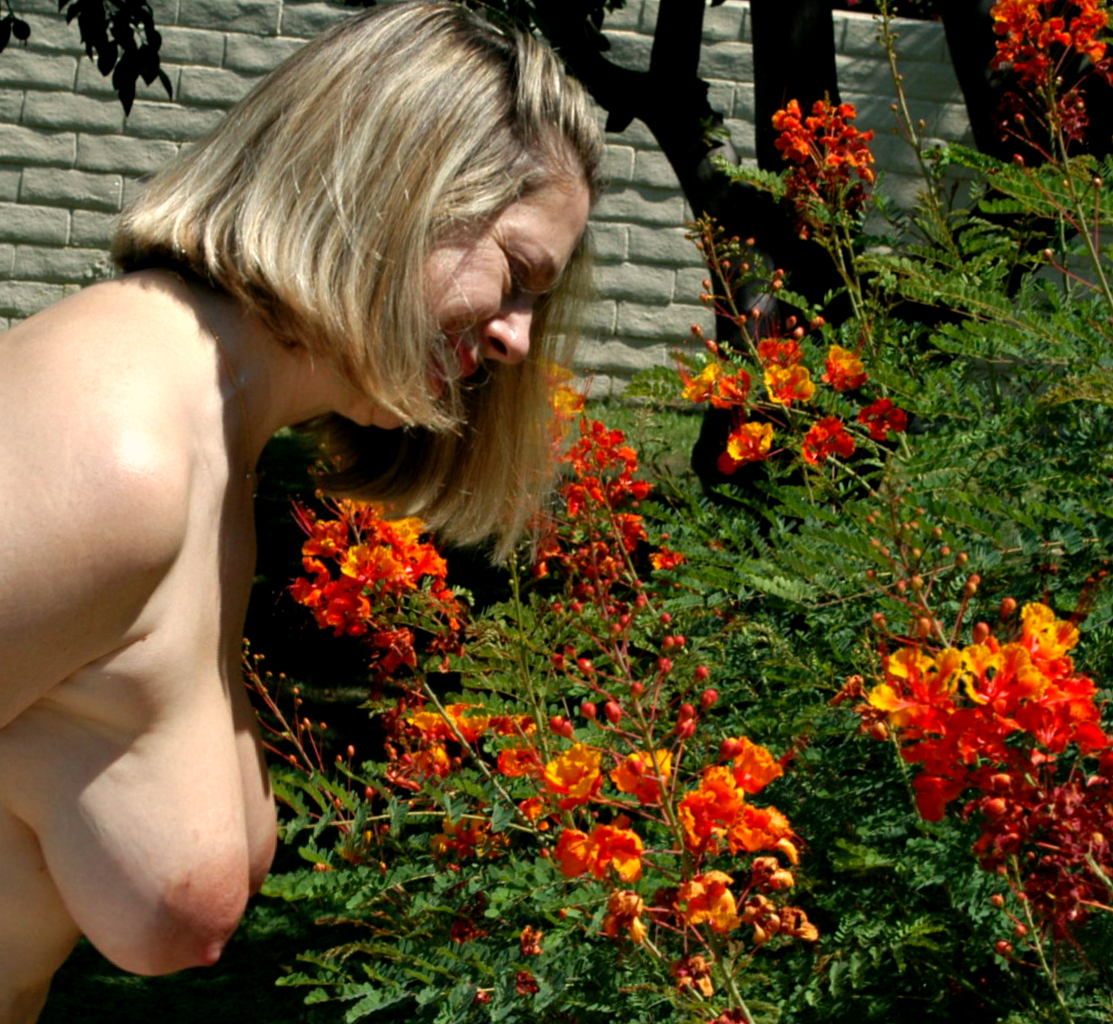 World Naked Gardening Day gallery-21375 | My Hotz Pic
