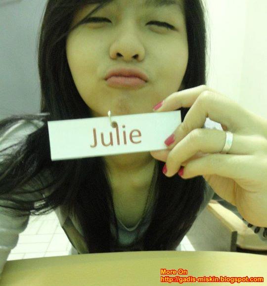 Julie : IGO Chinese Unyu-unyu Cute Narsis di Kamar