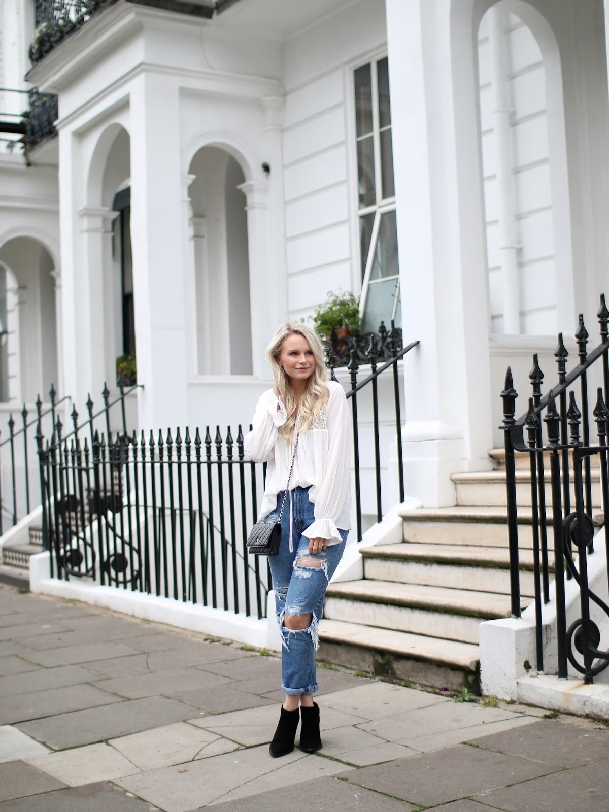 an example of how to style ripped jeans