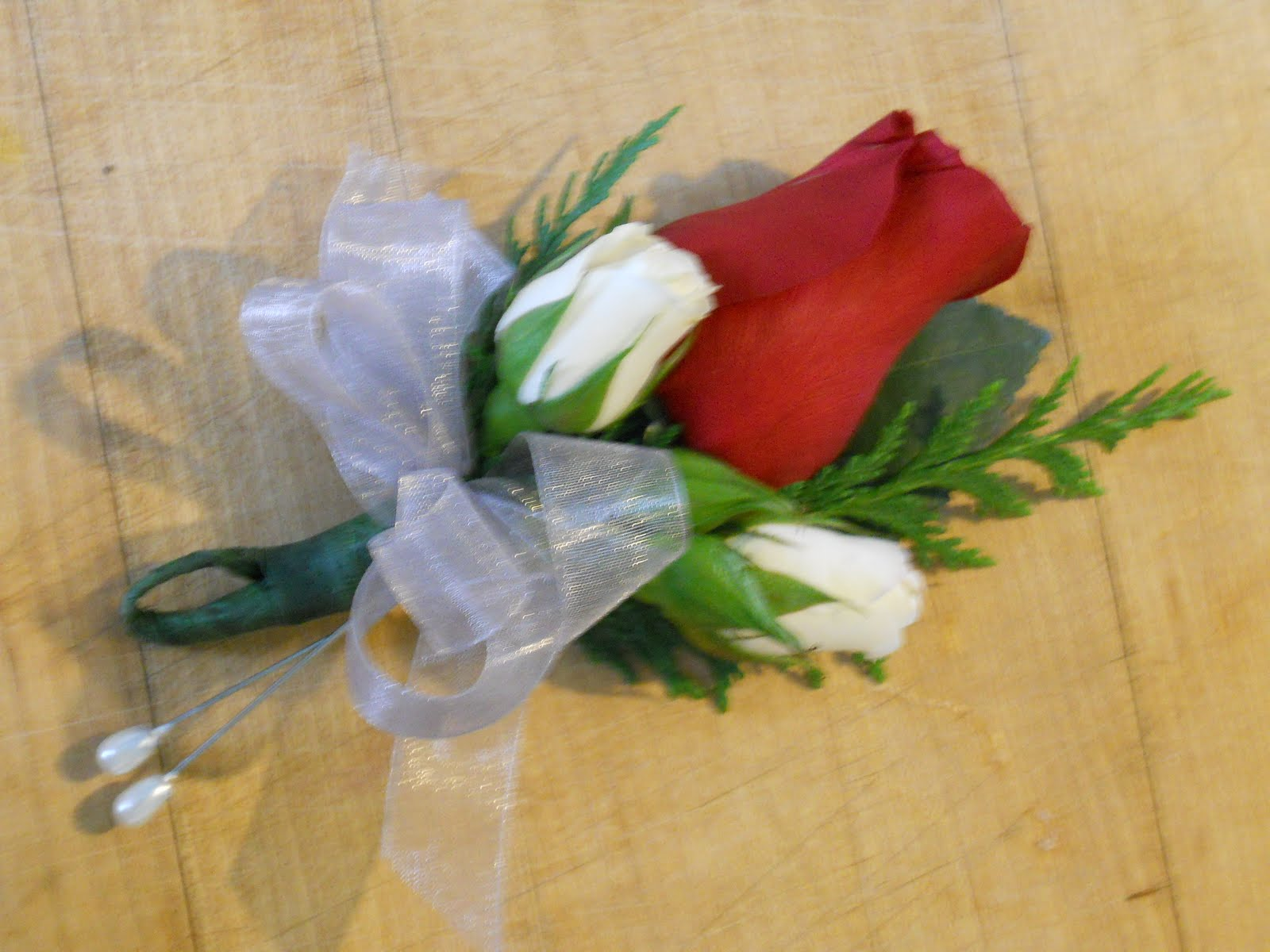 How To Make A Corsage For Mothers Day Kitchenwise