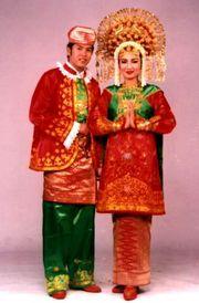 Tradisional Dan Tradisi Indonesia.