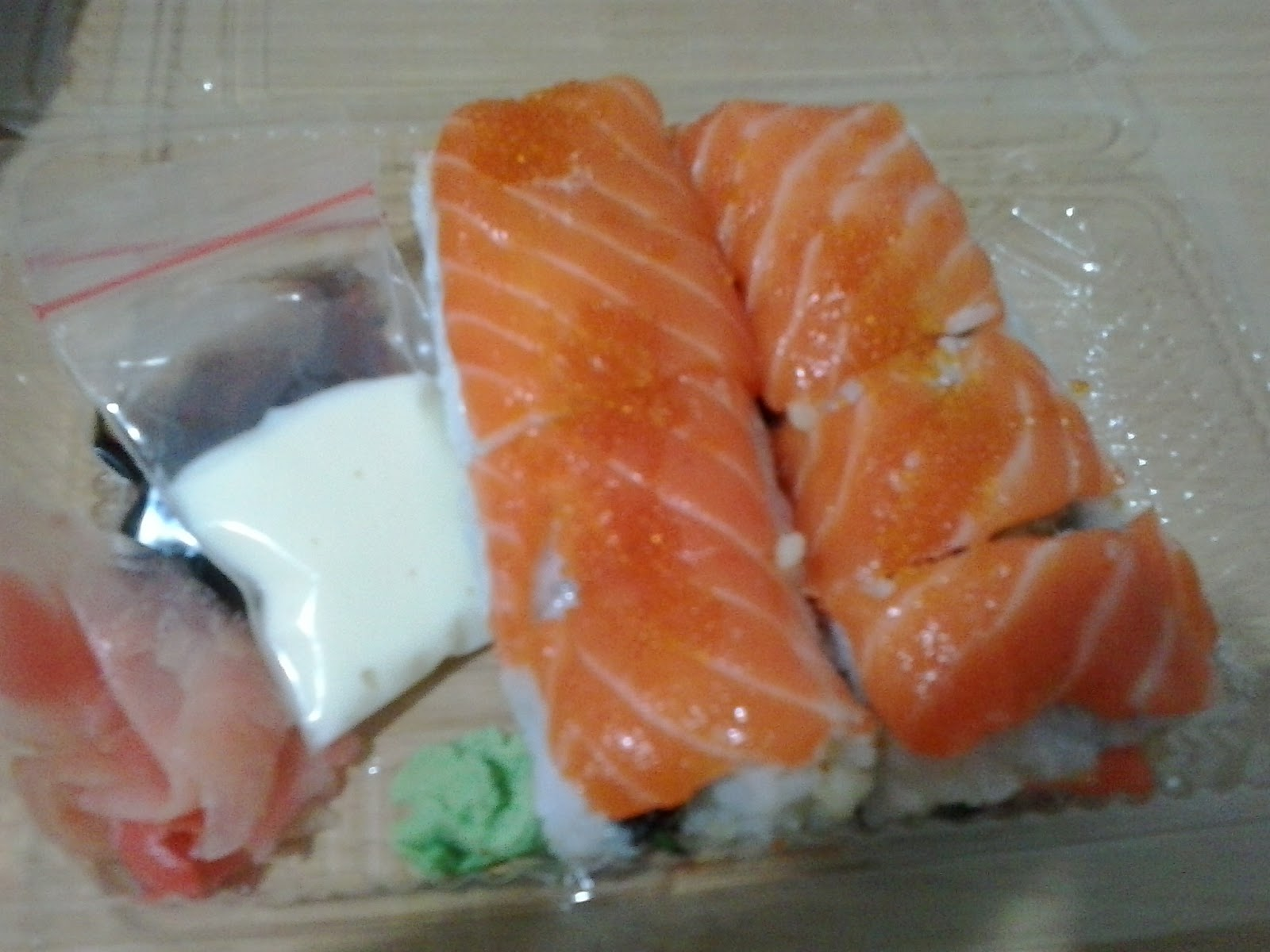 how to make salmon rolls sushi