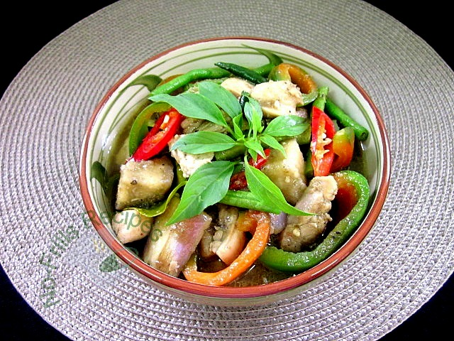 No-Frills Recipes ... cooking, baking & excerpts on travel: Thai Green Curry