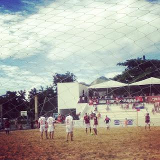 jogo+de+beach+soccer+do+Daniel Domingão a base de cunha futebol clube!
